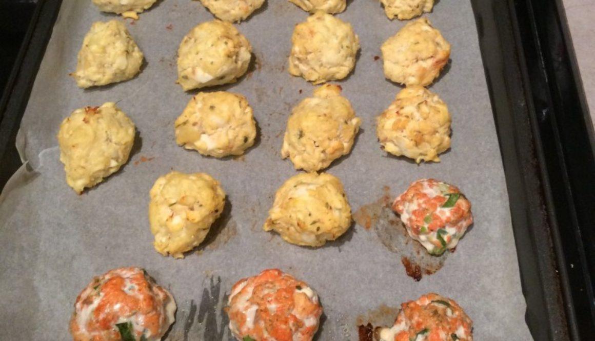 Fish balls on tray after baking