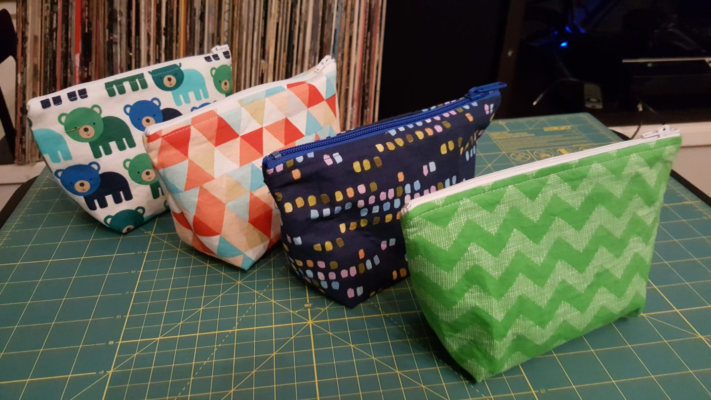 4 wedge zipper bags