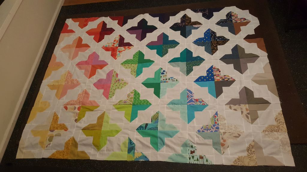Trellis pattern quilt top. Pattern by Cluck Cluck Sew